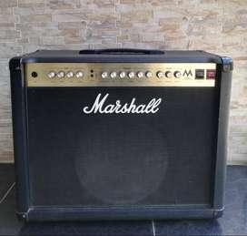 Amplificador Marshall de tubos MA50C
