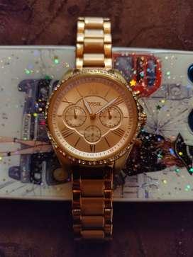 Se venden 2 relojes dama y caballero