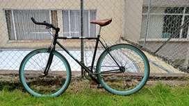 Bicicleta negro y azul