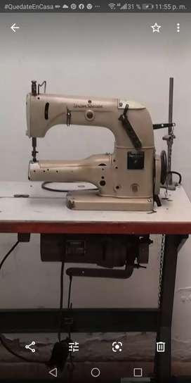 Se vende máquina cadeneta de codo $ 600.000