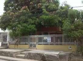 Se vende casa en Blas de lezo, cerca de los centros comerciales castellana y plazuela