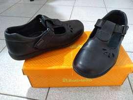 Zapato escolar usado