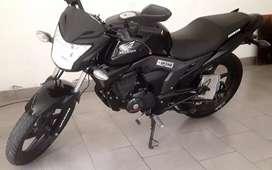 Honda cb invicta