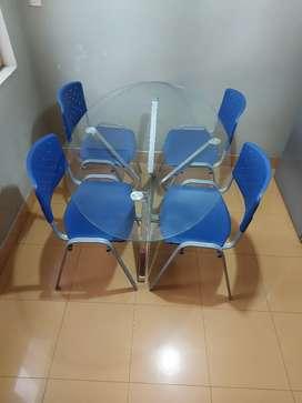 Juego de comedor Mesa de vidrio modelo MALAYA y sillas