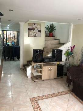 Casa Familiar al norte de Bogota, Cnj Villas de Andalucia
