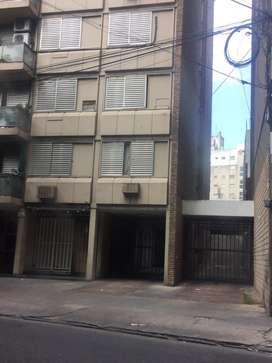 Cochera excelente ubicacion España a mts de calle Pellegrini