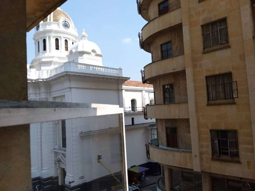 Venta oficina edif. Colseguros plaza caycedo , remodelada , 3er piso , 2 ascensores. 0