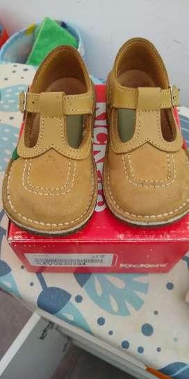 Zapatos marca Kickers