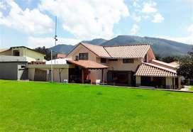 240 - Venta de Casa en el Sector la Armenia, Valle de los Chillos, Conocoto, Quito