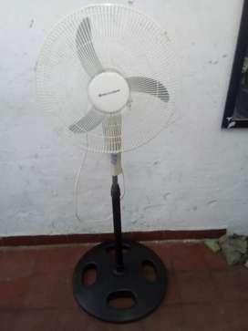 Ventilador de pie Standard Electric