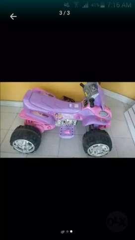 Vendo moto electrica y bici para niña