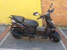 Vendo Moto AGILYTY NAKED 125 Exelente estado seguro y tecno julio 2020