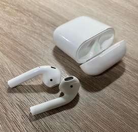 Vendo Auriculares Apple Airpods 1 Usados Originales en perfecto estado con su caja impecable.