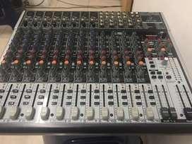 CONSOLA BEHRINGER XENIX 2222 USB