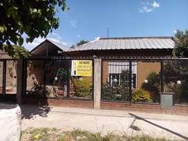 Vendo casa 5 ambientes en Parque San Martín, Merlo