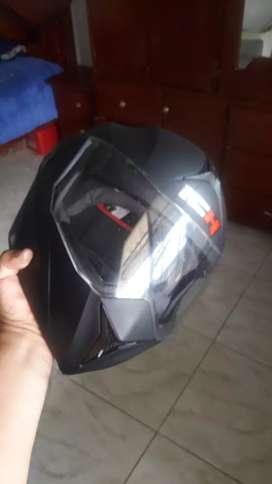 Vendo casco de moto marca ICH