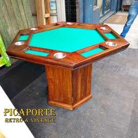 Mesa de Juegos en Madera Maciza