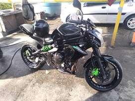 Kawasaki er6n excelente moto, lista para traspasos