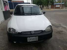 Vendo corsa sedan en buen estado