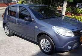 Vendo Renault Sandero en muy buen estado, papeles al día.