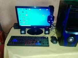 Computadora semi nueva
