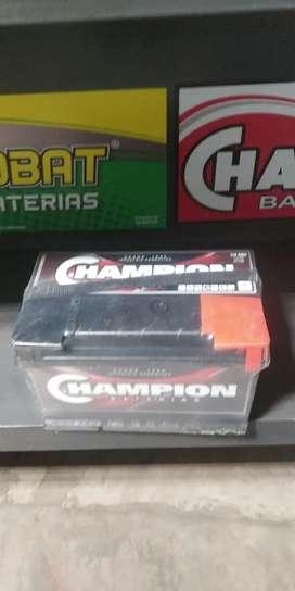 Batería champion 12 x 80 $8800 más la usada
