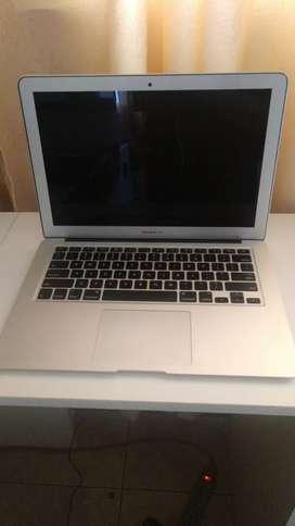Macbook Air 2015 para repuestos o reparar
