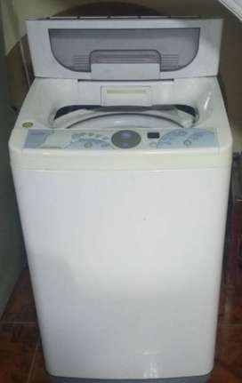 se vende lavadora de 14 pies en buen estado