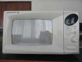 Microondas Kelvinator KM-200D 20lt.  Digital.  Reloj.  Varias funciones