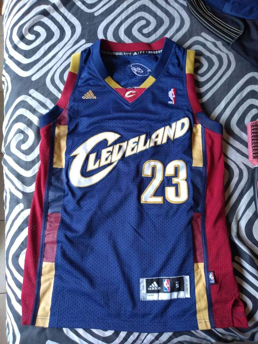 Camiseta NBA de Lebron  como nueva 0