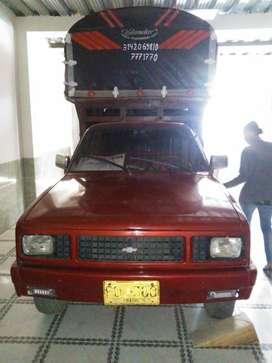 Venta camioneta Luv Estaca 1.600 Modelo 1982