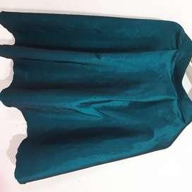 Hermosa falda color verde azulado