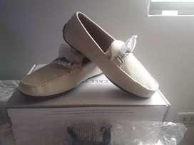 Vendo un par de zapatos