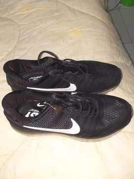 Hermosos tenis Nike nuevos