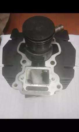 Vendo cilindro y bomba para el aceite de moto ax 2