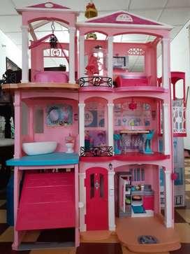 Casa original de los sueños de la Barbie. Marca Mattel