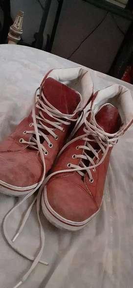 Zapatillas rojas talle 40/41