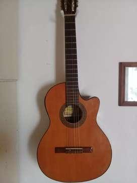 Guitarra electrocriolla marca gracia