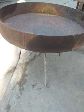 Disco diámetro 51cm ,8 de cm alto con patas