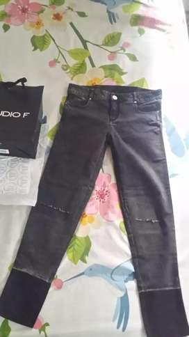 Vendo pantalón de dama original talla 8