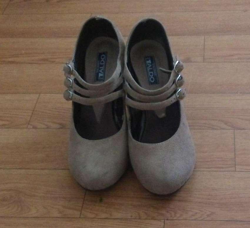 Zapatos Beige Oscuro Talla 36 37