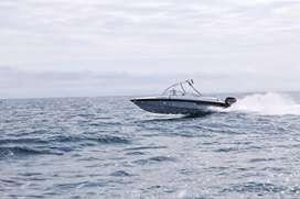 lindo bote de paseo o pesca deportiva