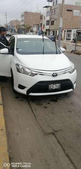 Se vende auto Yaris urgente en Sicuani cuscoooo todo al día ..