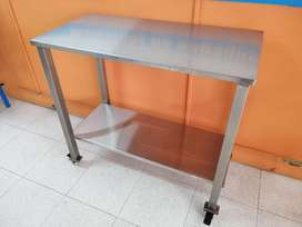 MESA EN ACERO INOXIDABLE MAPLAS