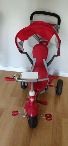 Triciclo radio flyer ajustable