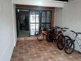 Se vende casa tipo colonial se recibe vehículo o moto