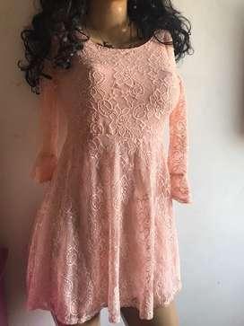 Vestido en blonda