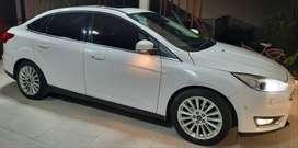 Ford focus titaniun powershift L16 2015