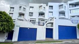ReNtO casa muy amplia en San Isidro Vista grande en Cumbayá