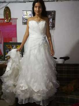 Vestido para matrimonio.